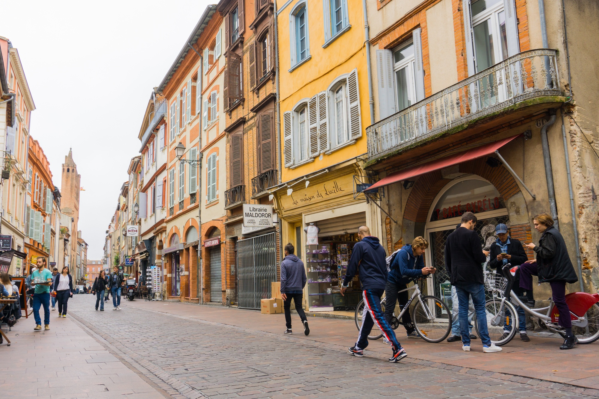 Walking around Toulouse, France